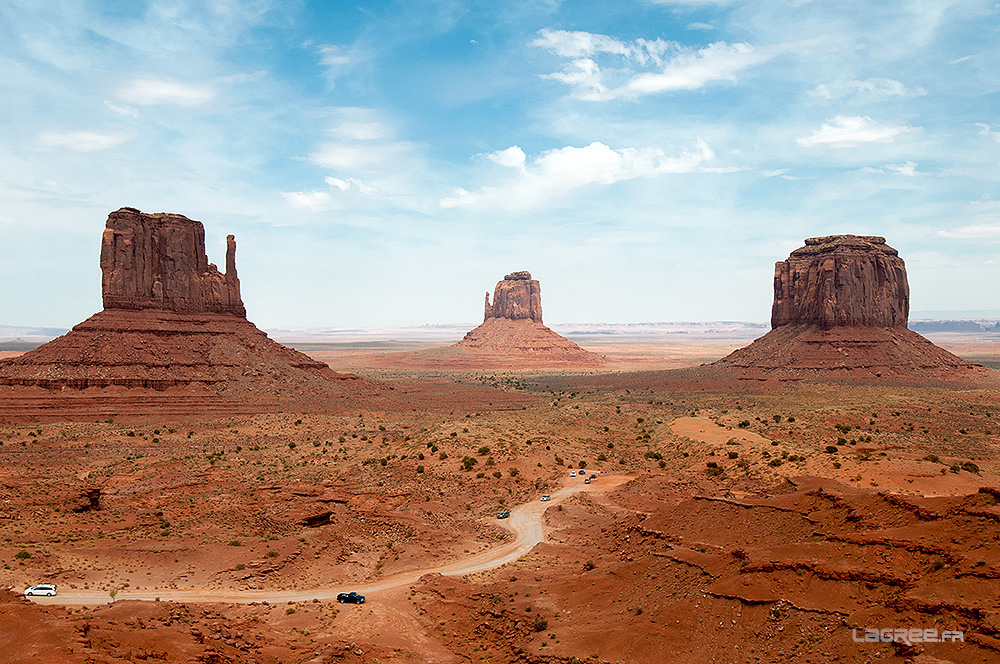 Monument Valley, Mittens & Merrick Buttes